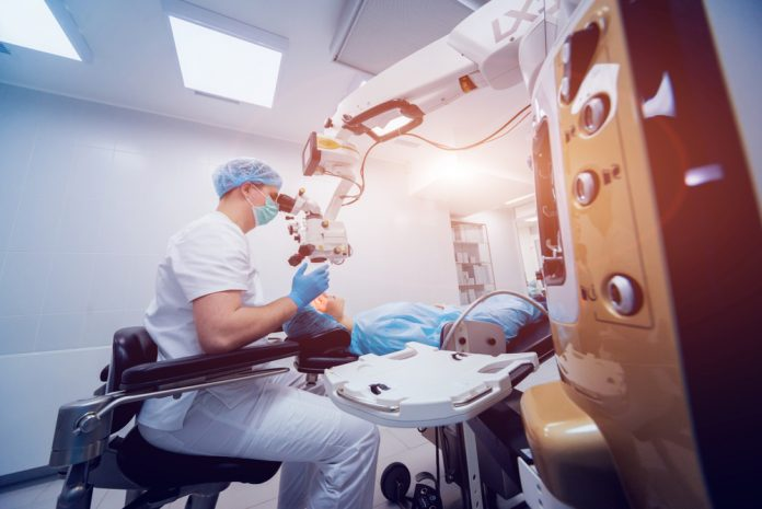 Tips For Finding The Best LASIK Surgeon 1