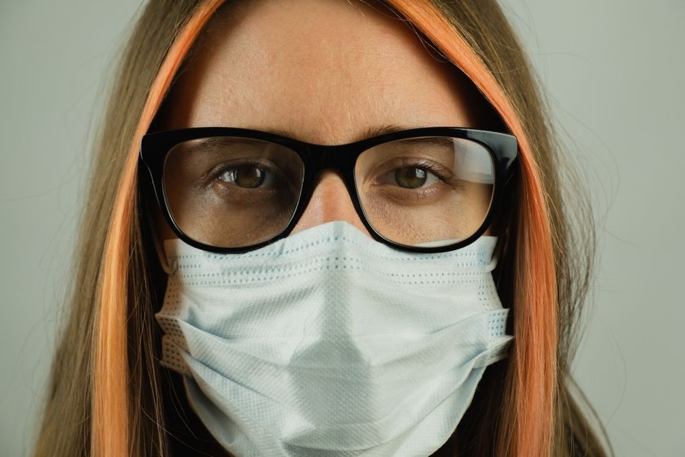 How to Avoid Foggy Glasses While Wearing a Face Mask Against Coronavirus_3