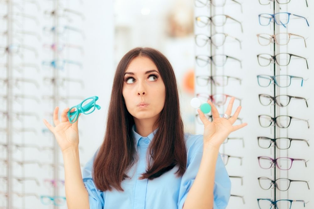 Best Contact Lens Options Against Dry Eyes