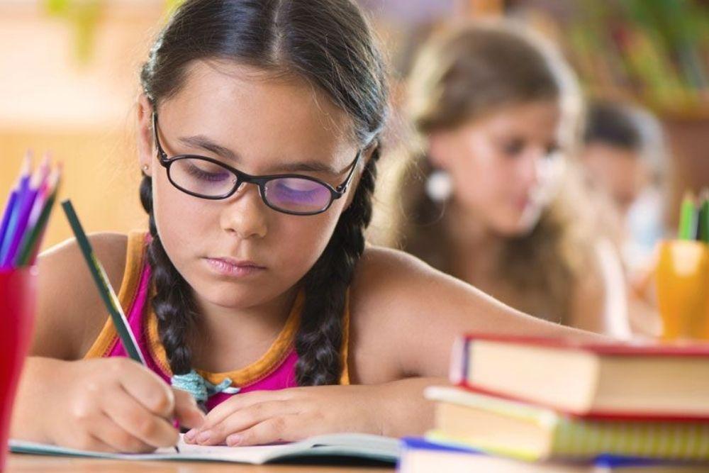 wearing glasses improve school performance