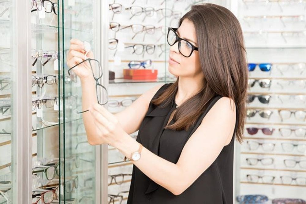 how much is the cost of prescription glasses