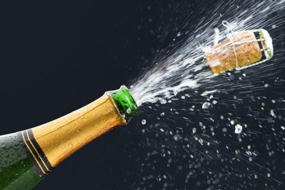 open a champagne without getting an eye injury
