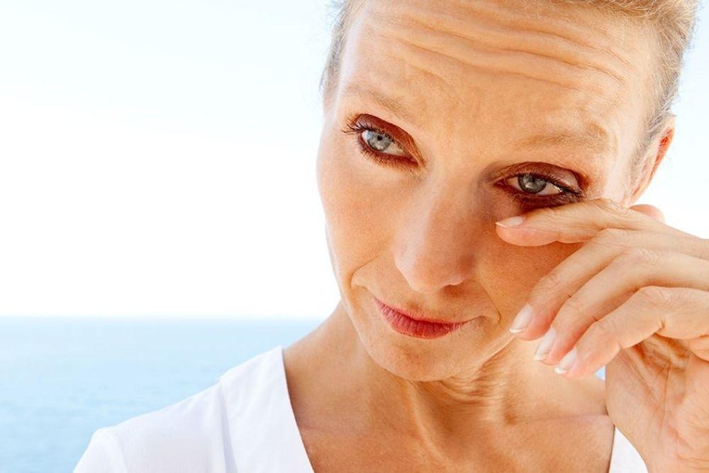 menopause dry eyes