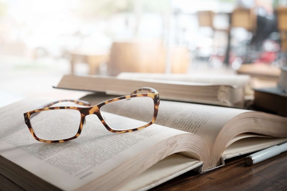 do i need to use reading glasses for presbyopia
