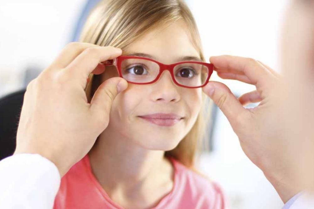 how will i know if my child needs eyeglasses