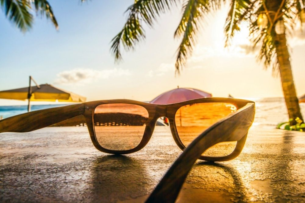 travel tips for contact lens wearers