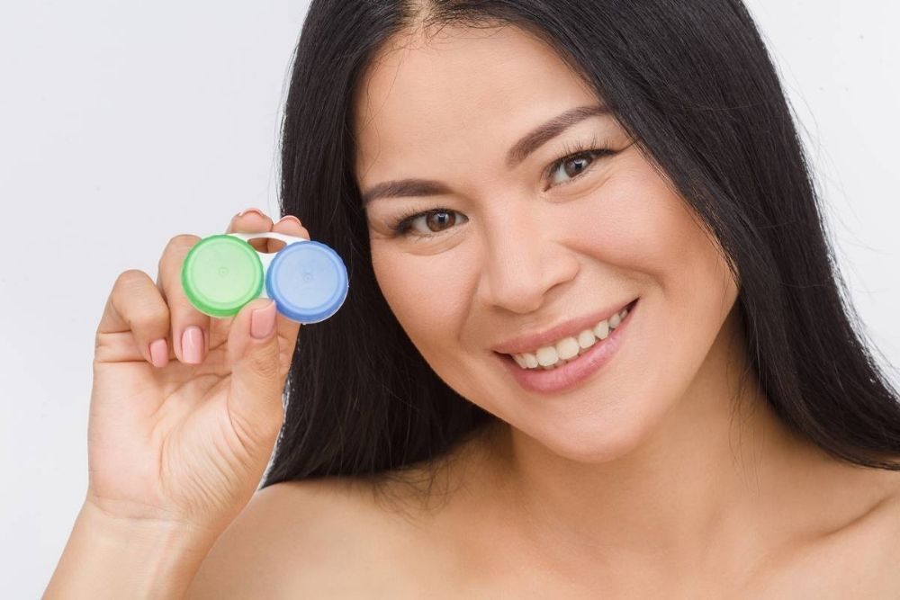 ways to reuse your old contact lens case