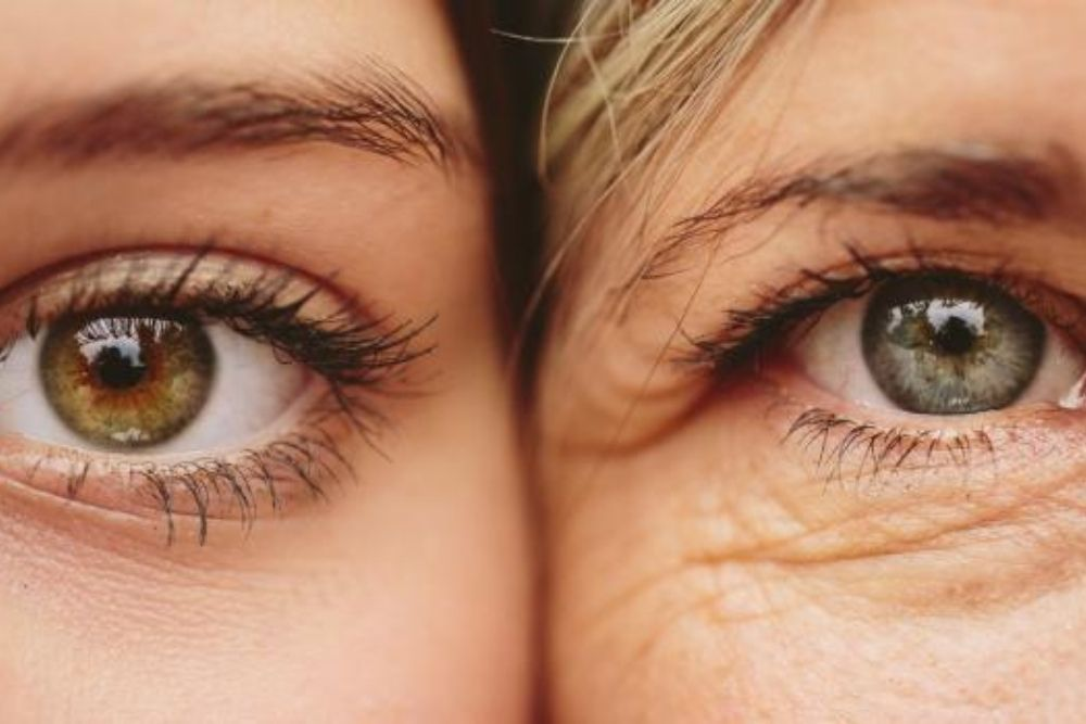 common signs that aging is changing your eyes