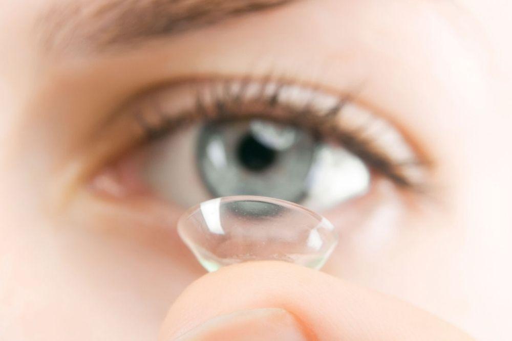 where did contact lenses originate