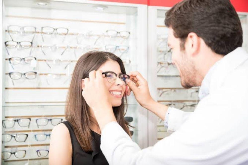 why you should order prescription eyewear in store