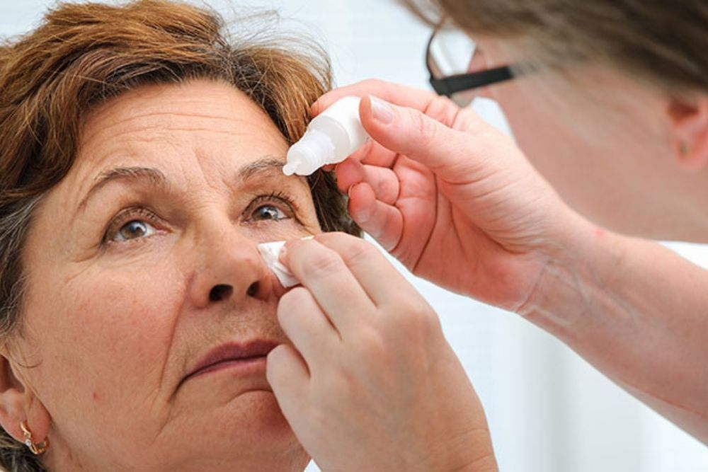 can eye drops replace reading glasses