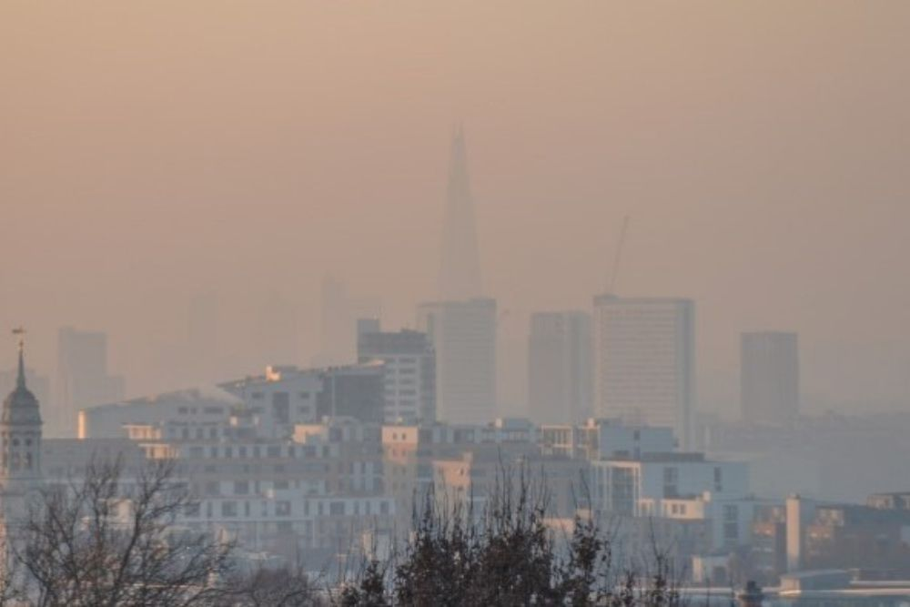 picture of a polluted city