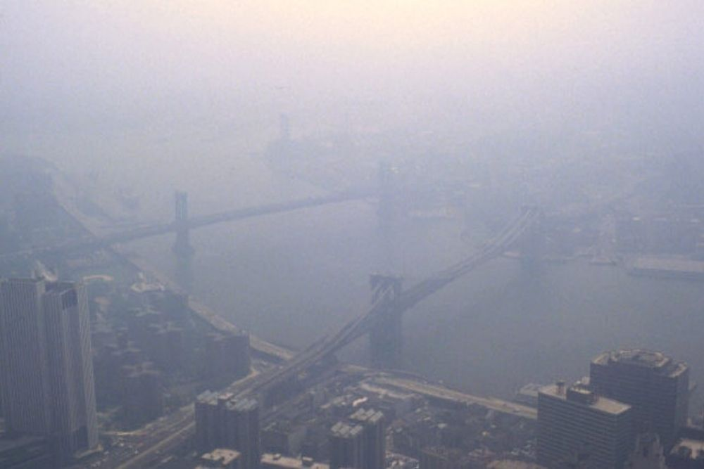 how does pollution affect your eyes