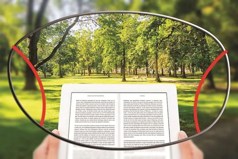 eyeglasses lens to read on paper