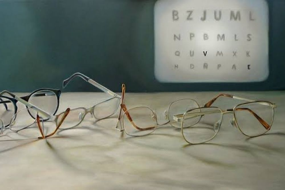 pieces of eyeglasses