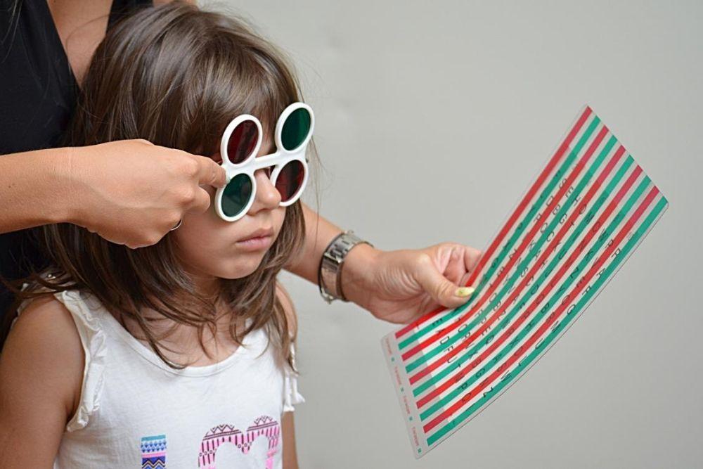 child doing eye test