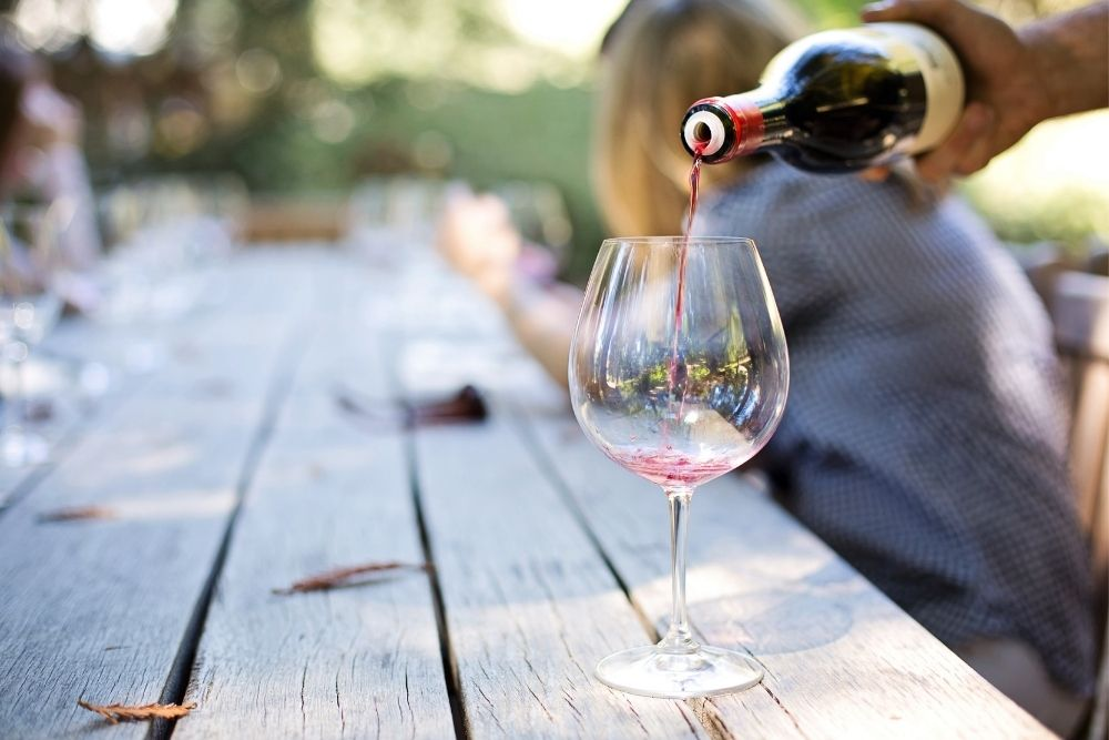cataracts are less likely to develop in casual wine drinkers
