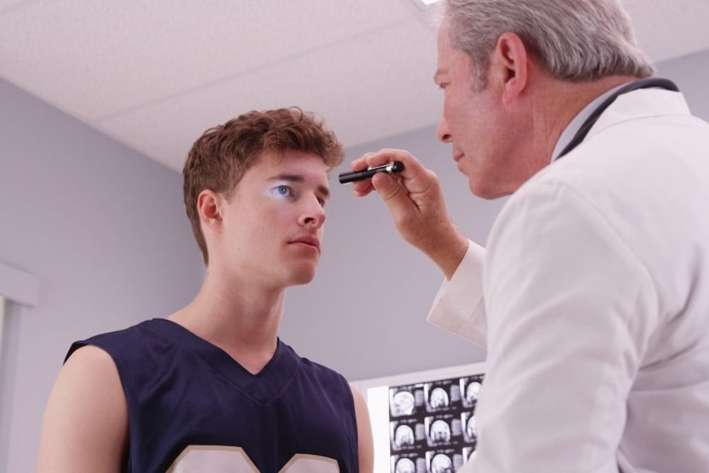 how a concussion can affect the eyes