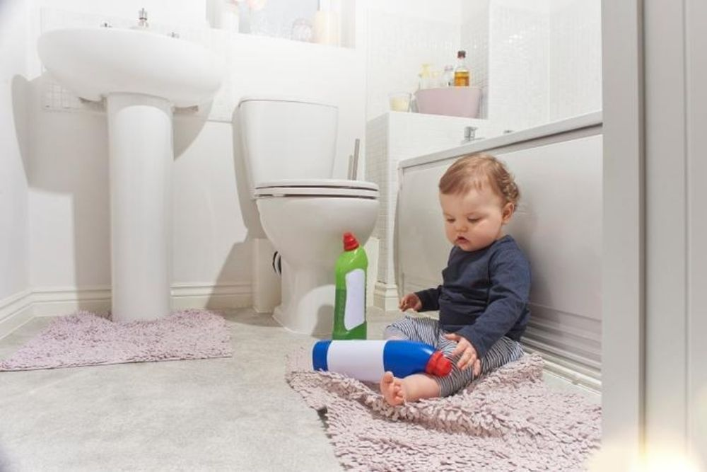 chemical burns to the eyes are most common in toddlers